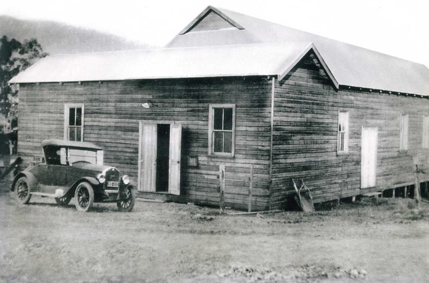 A picture of the hall in the 1940's